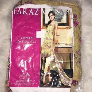 Stitched 3 pc Pakistani outfit
